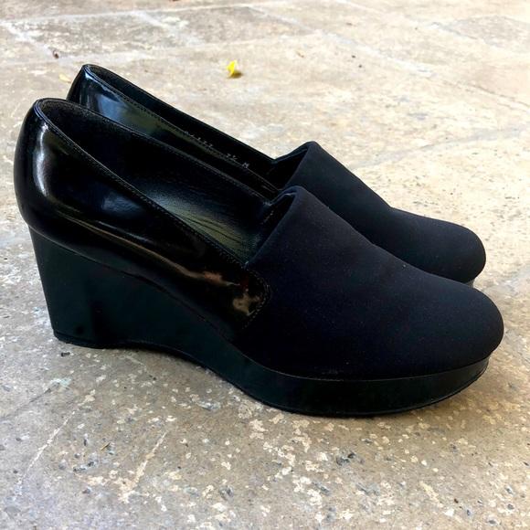 Stuart Weitzman wedge closed toe shoe size 7.5